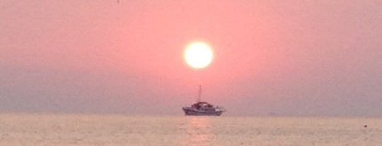 Sani Beach Club is one of Posti che sono piaciuti a Gozde.