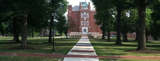 University of Mount Union is one of Locais curtidos por Becky.