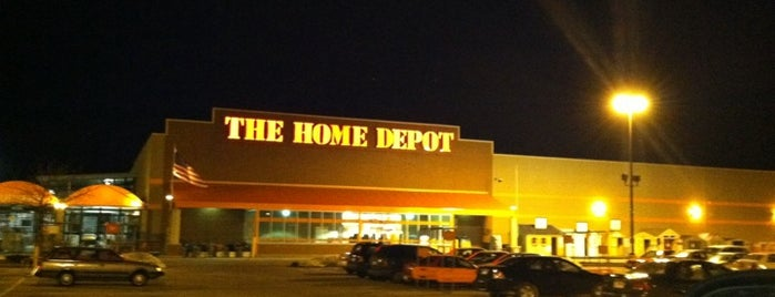 The Home Depot is one of Posti che sono piaciuti a John.
