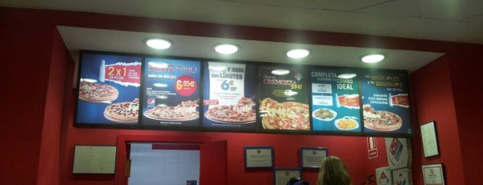 Domino's pizza is one of สถานที่ที่ Juntando Millas ถูกใจ.