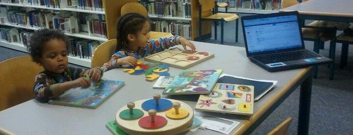 Westland Library is one of Andrew'in Beğendiği Mekanlar.