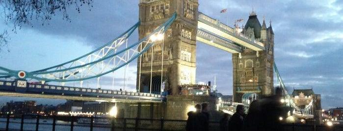 Puente de Londres is one of World Sites.