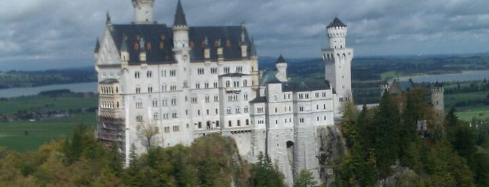 Schloss Neuschwanstein is one of Best of World Edition part 1.