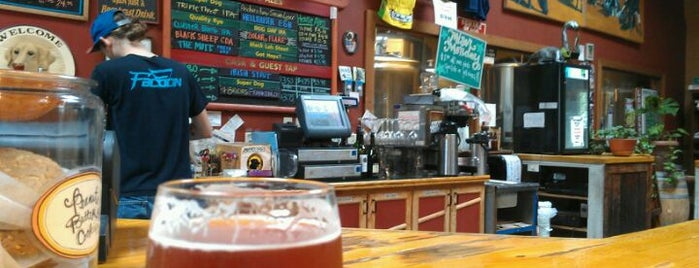 Lucky Labrador Brew Pub is one of Portland.