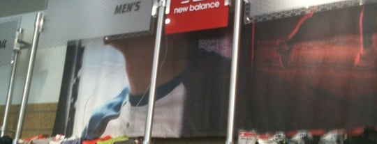 New Balance is one of Lugares favoritos de Roger.