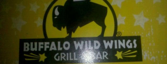 Buffalo Wild Wings is one of Lieux qui ont plu à Carlos.