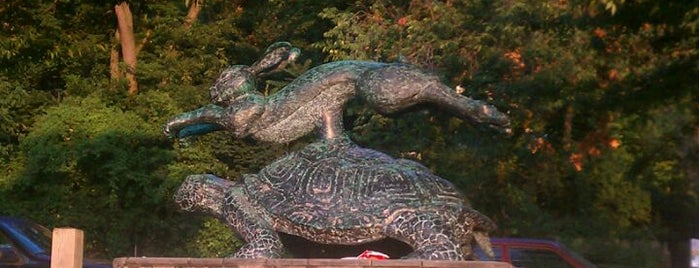 Tortoise and Hare Statue is one of The Great Outdoors NY.