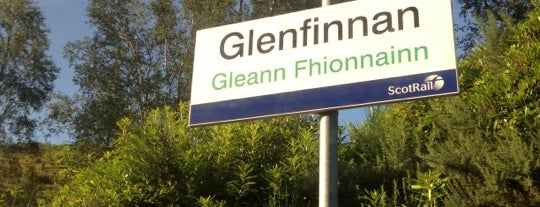 Glenfinnan Railway Station (GLF) is one of Andrew: сохраненные места.
