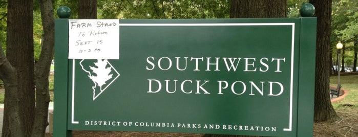 Southwest Duck Pond is one of Locais salvos de John.