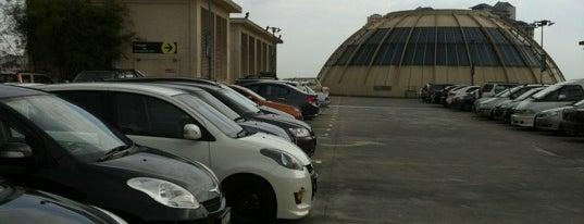 Sunway Pyramid Parking is one of สถานที่ที่ Aishah ถูกใจ.