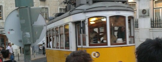 Praça do Chile is one of 101 coisas para fazer em Lisboa antes de morrer.