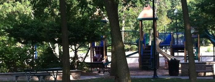 Hudson Crossing Park is one of Katarina 님이 좋아한 장소.