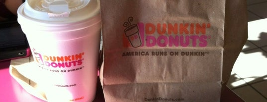 Dunkin' is one of Gさんの保存済みスポット.