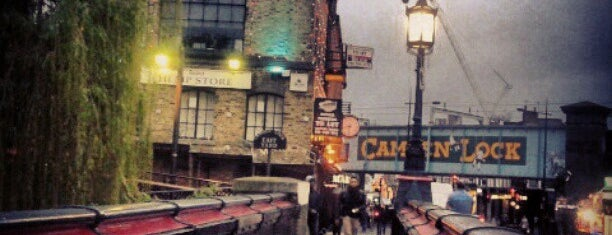 Camden Lock is one of Pleasure Spots in the UK.