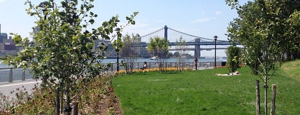 FDR Drive / East River Greenway & Bike Path (Lower Manhattan) is one of Tempat yang Disukai Jason.