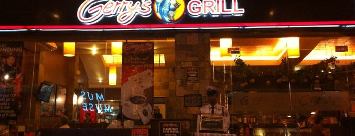 Gerry's Grill is one of Lugares favoritos de Angelika.