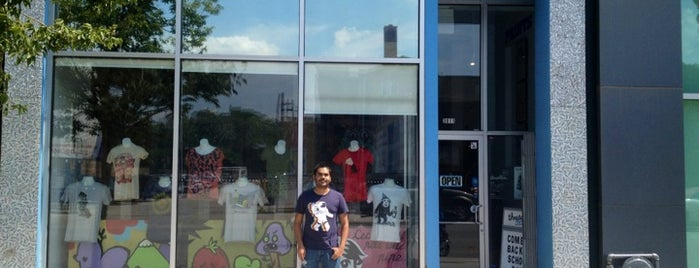 Threadless Store is one of Chicago.