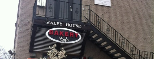 Haley House Bakery Cafe is one of Orte, die Dana gefallen.