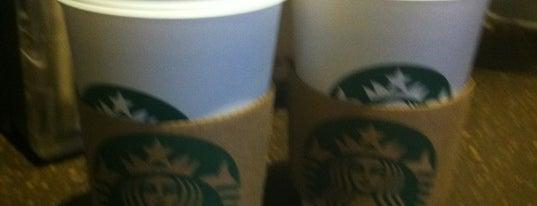 Starbucks is one of Orte, die Krysten gefallen.