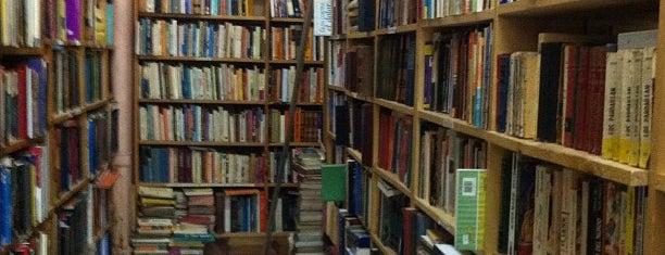 Librería A Través del Espejo is one of en la roma....