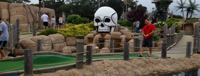 Pirate's Cove Adventure Golf is one of Lieux sauvegardés par Eric.
