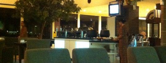 Blue Sky Executive Lounge is one of Characteristic of Surabaya.