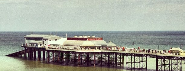 Cromer Pier is one of Lugares favoritos de Carl.