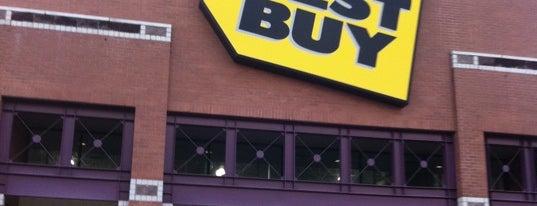 Best Buy is one of Orte, die Alberto J S gefallen.
