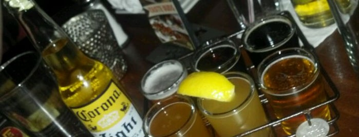 Lazy Dog Restaurant & Bar is one of Thousand Oaks/Moorpark/Simi Valley dinner & drinks.