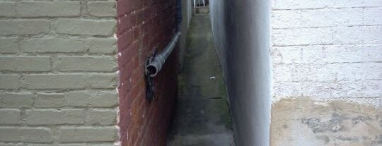 Narrowest Alley in Baltimore is one of Askia: сохраненные места.