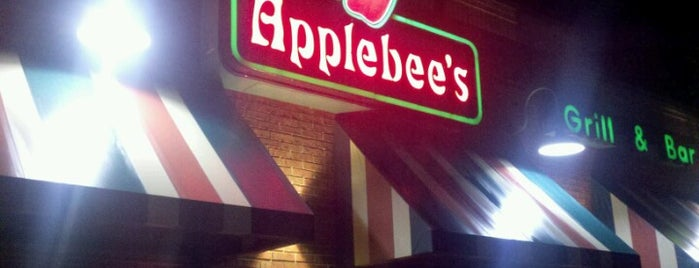 Applebee's Grill + Bar is one of Toonさんのお気に入りスポット.