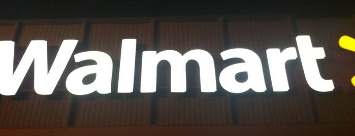 Walmart is one of Locais curtidos por Kenia.