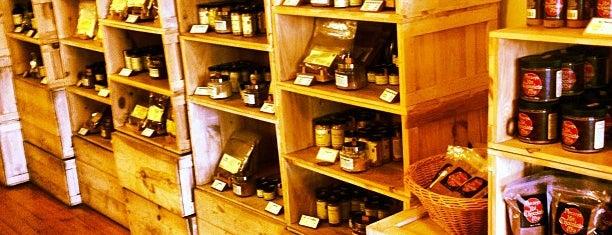 Penzeys Spices is one of สถานที่ที่ Marc ถูกใจ.