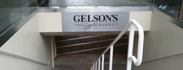 Gelson's is one of Locais curtidos por S.