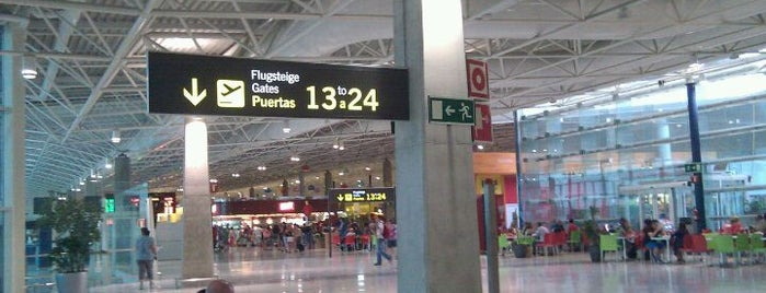 Аэропорт Фуэртевентура (FUE) is one of Airports in SPAIN.