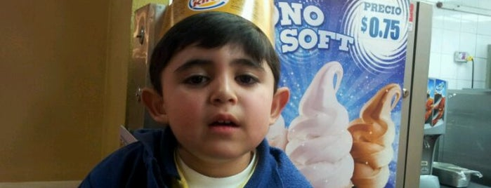 Burger King is one of Locais curtidos por Juan.