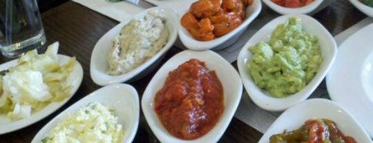 Itzik Hagadol Grill is one of La Food, yo.