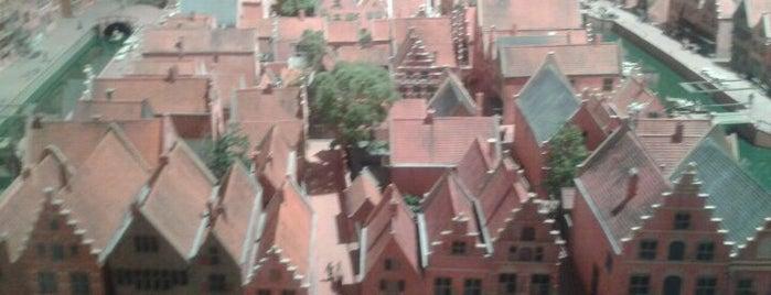 Stedelijk Museum Alkmaar is one of Gratis toegang met (free entry with) museumkaart..