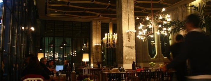 The House Café is one of Istambul.