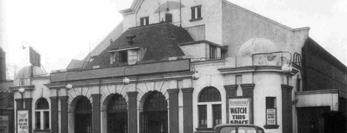 Premier Electric Cinema (Former) is one of Historic Sites in Harringay.