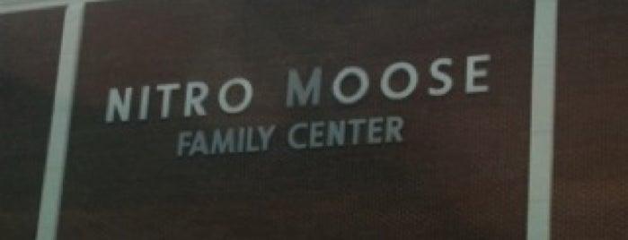 Nitro Moose Lodge is one of Orte, die Jonathan gefallen.