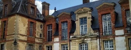 Château de Thoiry is one of Châteaux de France.