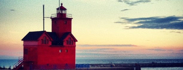 Holland Lighthouse (aka Big Red) is one of For Eron.