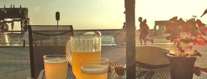 Pier I Cafe is one of I worship GOOD Bars.