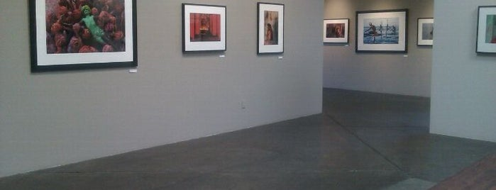 Peter Fetterman Gallery is one of Hollywood.