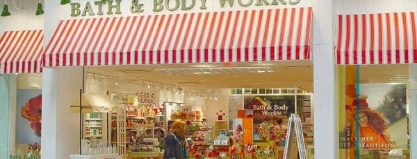 Bath & Body Works is one of สถานที่ที่บันทึกไว้ของ Susan.