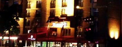 Amsterdam Marriott Hotel is one of Carlos : понравившиеся места.