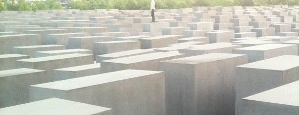 Monumento a los judíos de Europa asesinados is one of Funky Berlin.