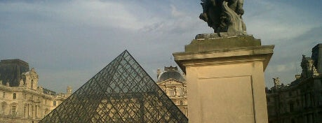 Museu do Louvre is one of The Ultimate Bucket List.