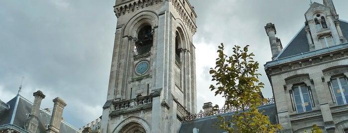 Hôtel de ville d'Angoulême is one of Châteaux de France.
